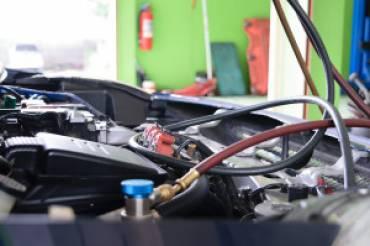bigstock-Car-Refilling-Air-Condition-370x246 Blog