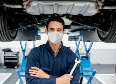 Basic Car Maintenance: How to Get Your Car Road Trip Ready